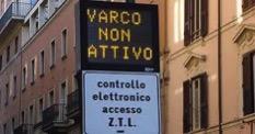 Varco attivo sign