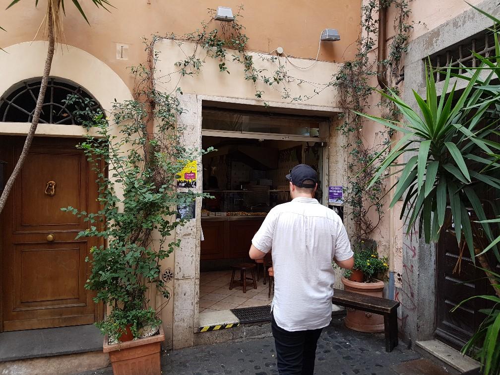 Great pizzeria in trastevere