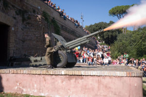 The cannon on the Janiculum Hill firing