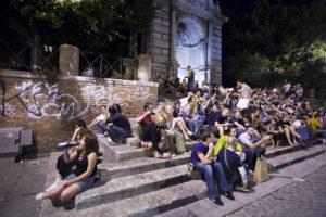 Night life in Piazza Trilussa in Trastevere.