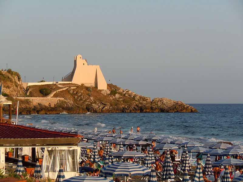 sperlonga, beaches near rome